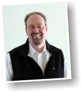 Pfarrer Johann-Albrecht Klüter ist der geschäftsführende Pfarrer der Gemeinde und Zuständig für den Sprengel I (Töing mit Erharting)