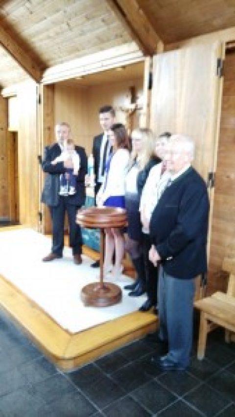 Taufe am Sonntag in der Friedenskirche