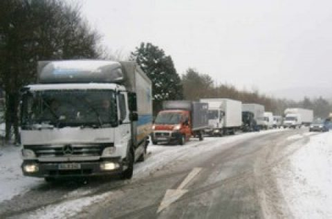Rumänienhilfe Töging – Annahme der Spendenpakete