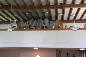 Besichtigung der Kirche von Kindern 005