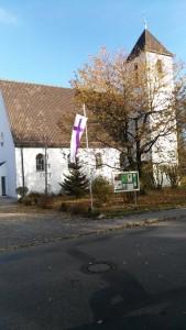 kirche-im-herbst