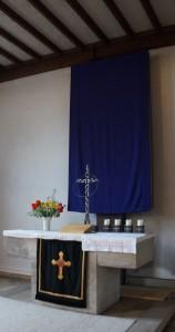 verhülltes Altarbild Seite klein