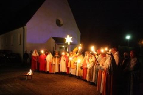 Die Töginger Sternsinger wünschen ein gutes neues Jahr!