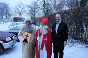 Der Nikolaus besucht das Café International