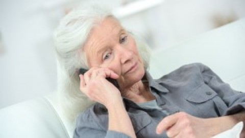 Wie Telefonseelsorger jetzt alten und einsamen Menschen helfen