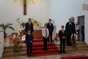 Konfirmation von 5 jungen Männern in der kath.Kirche st. Josef